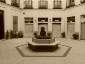 buda-patio-sepia-800