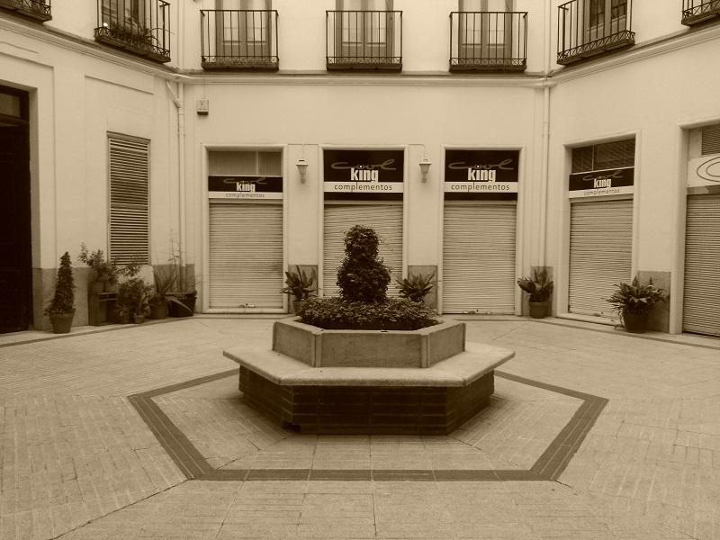 buda-patio-sepia-800